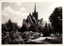 Lubin : Kościół katolicki i różany ogród